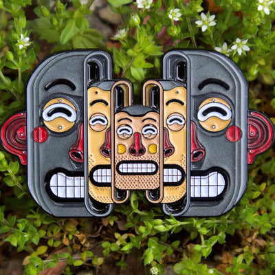 Face Off AR Pin x Mister Thoms