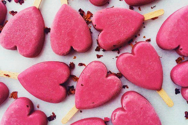 14 Healthy Treats to Whip up This Valentines Day feature image