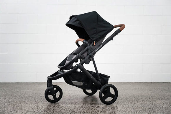 Edwards & Co Oscar MX 3 wheel pram