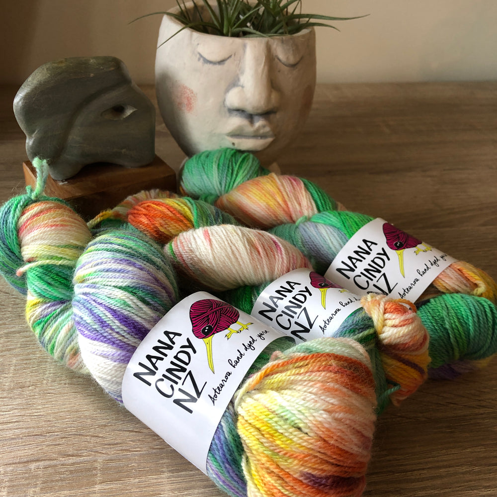 Load image into Gallery viewer, The Oneders - Tropical Breeze - Dreamy - NZ Grown Milled and Dyed Polwarth Alpaca