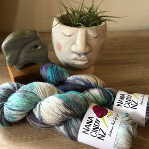 Load image into Gallery viewer, The Oneders - Silvery Mint - Dreamy - NZ Grown Milled and Dyed Polwarth Alpaca