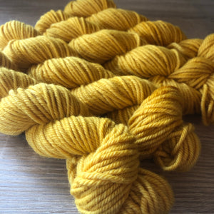 Load image into Gallery viewer, Mustard chunky wool yarn
