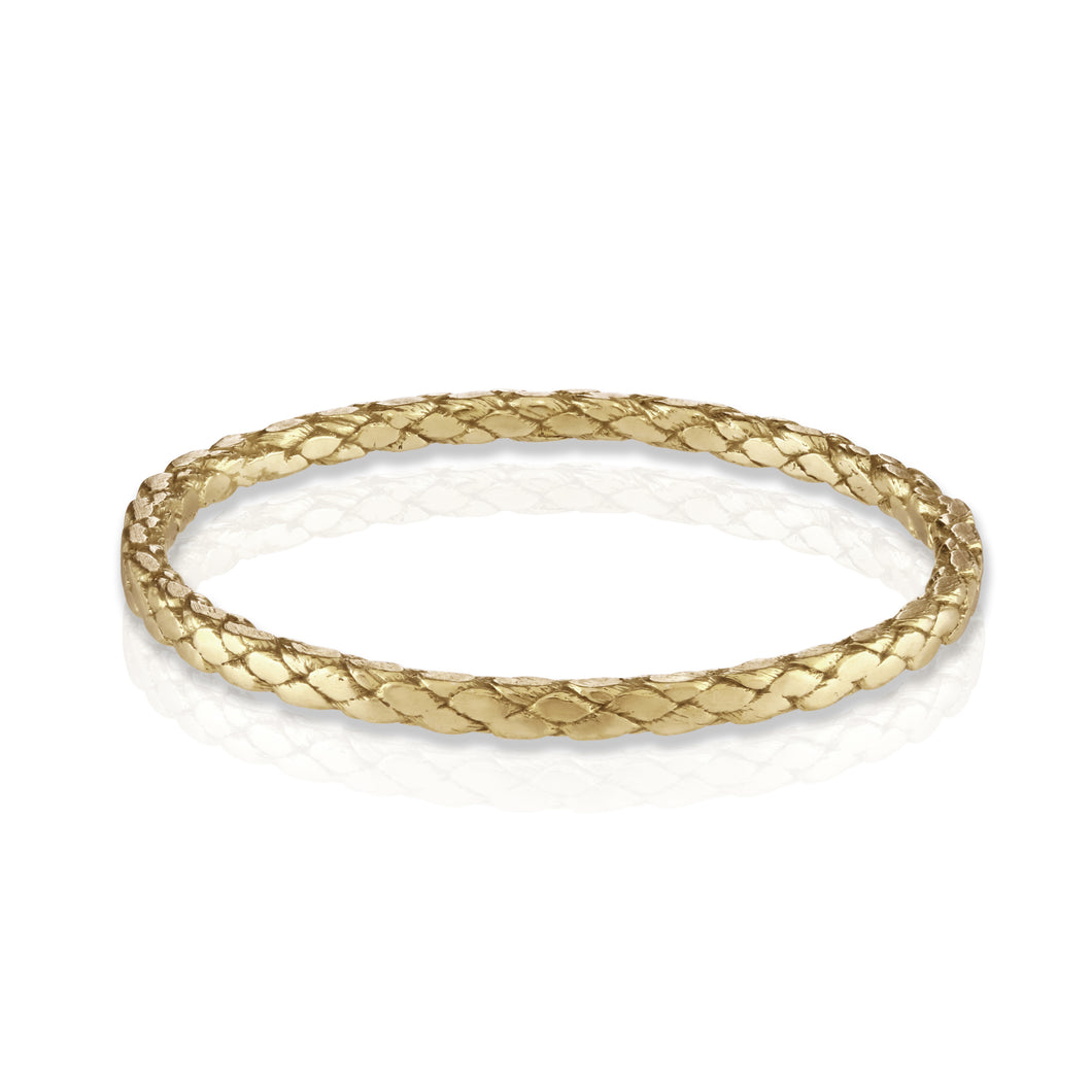 Rope ring in gold by Louise Wade