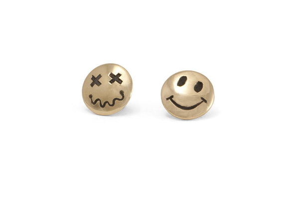 #047 – Smiley Pins