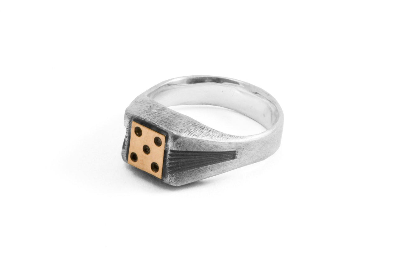 #005 - Signet Ring Dice