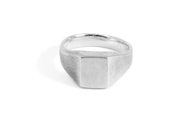 #004 - Signet Ring Box