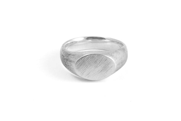 #004 - Signet Ring Ellipse