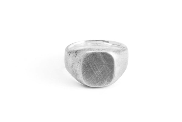 #011 - Signet Ring Oval