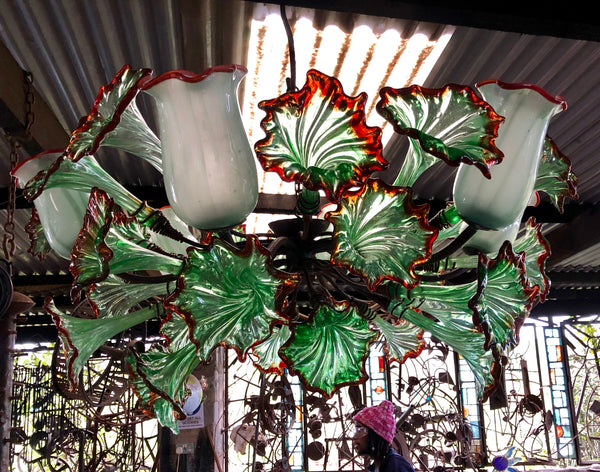 Chandelier 'Kitengela Classic' 6 light cups, green flowers with red rims