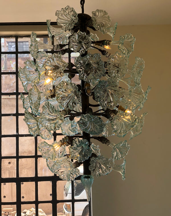 Chandelier 'Clearly Now', bare bulbs, clear flowers, 1.8m, 1m. 2 wall brackets