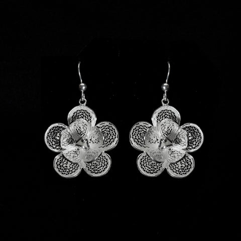 Silver filigree earrings jewellery handmade by Lefkara. Lily design jewelry from Cyprus.