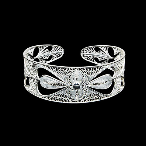 Silver filigree bangle jewellery handmade by Lefkara. Traditional design jewelry from Cyprus.