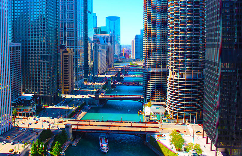 Chicago-River-Skyscrapers