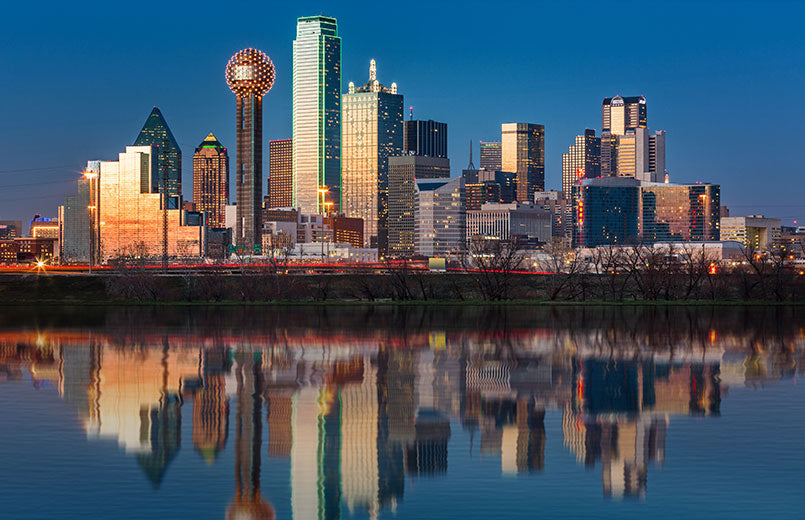 Dallas-skyline-reflected-in-Trinity-River-at-sunset