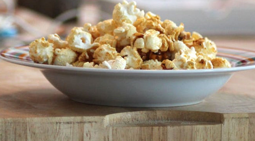 Popcorn-in-Bowl-Placed-on-Chopping-Board