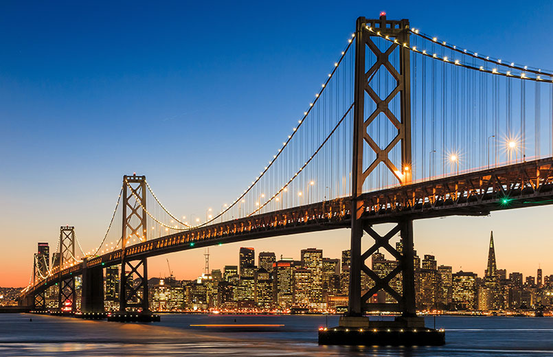 San-Francisco-skyline-and-Bay-Bridge-at-sunset