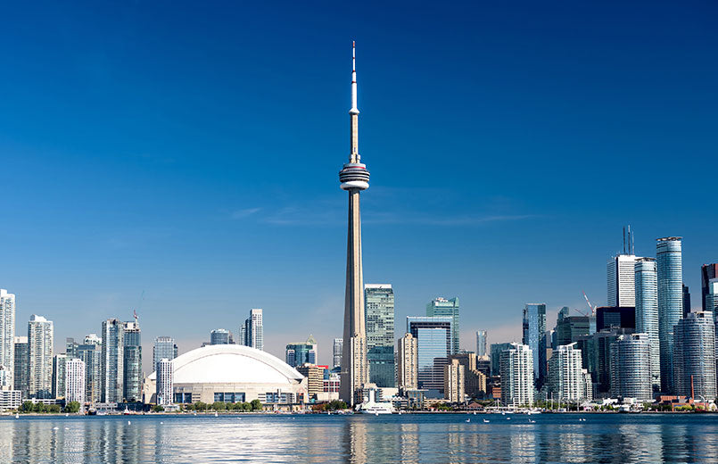 Toronto-city-skyline-on-clear-sunny-day