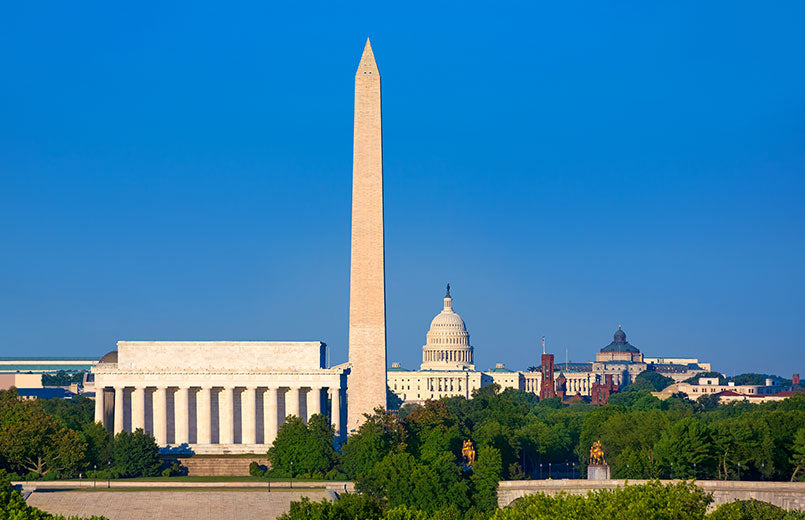 Washington-DC-skyline-with-Monument-Capitol-and-Abraham-Lincoln-memorial