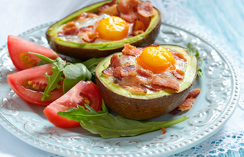 avocado-bacon-eggs-and-tomateos-cooked-on-a-plate-keto-meal