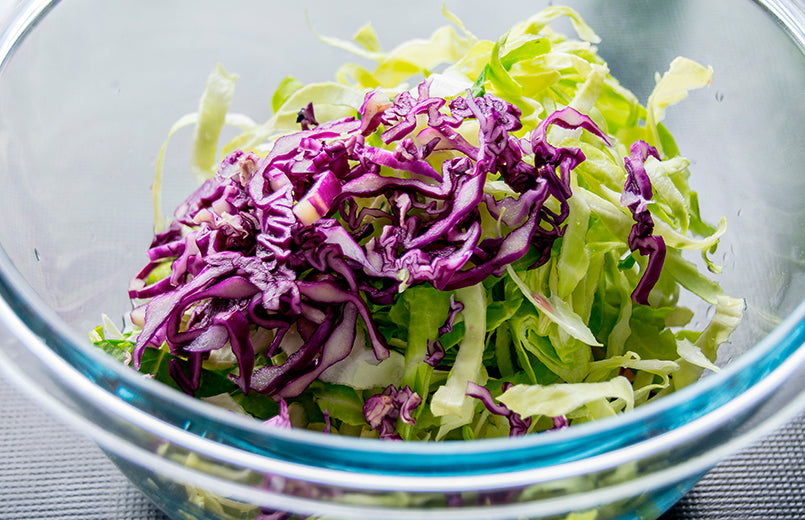 bowl-of-shredded-coleslaw-and-red-cabbage