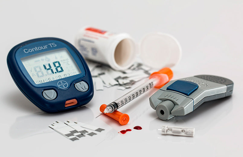 glucometer-insulin-blood-glucose-tests-diabetes-concept