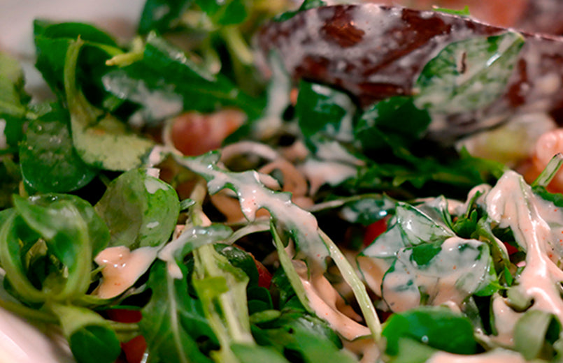 salad-with-arugula-baby-spinach-and-dressing
