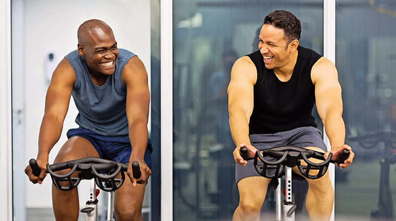 two-men-exercising-at-the-gym