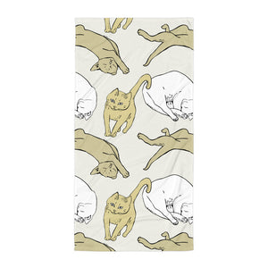 Funky and trendy printed bath towels with cats on them