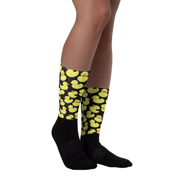 Cotton socks for men with graphically printed ducks on them