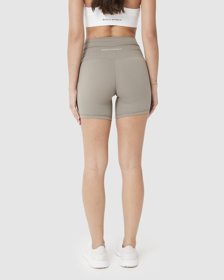 Ladies Shorts - LUXE BIKER SHORTS LIGHT OLIVE