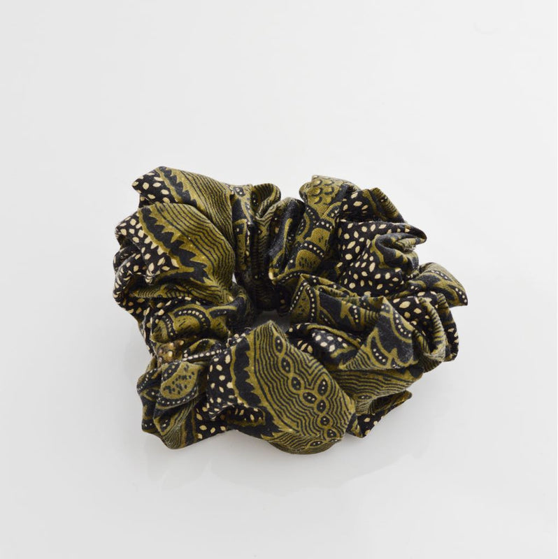 JUNGLE FEVER SCRUNCHIE