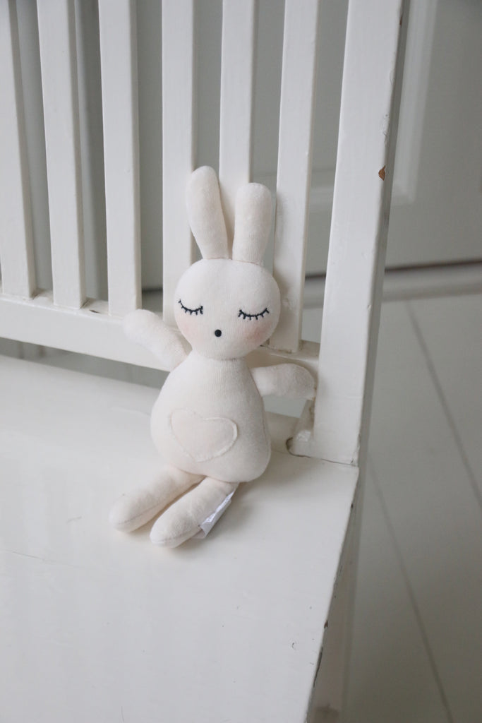 SLEEPING LITTLE BUNNY - 28 cm