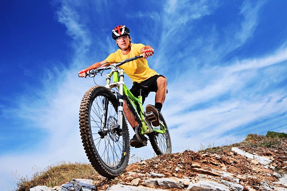 Extra protection when mountain biking with Striker Sport Skin