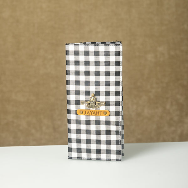 Black n White Checks Travel Folder