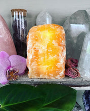 Yellow Calcite Lamp // LED