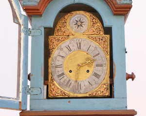 Face detail mora clock gold face