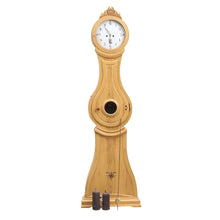 mora clock with classic shape