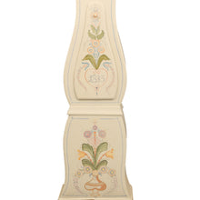 Mora clock with hand painted floral details - body details