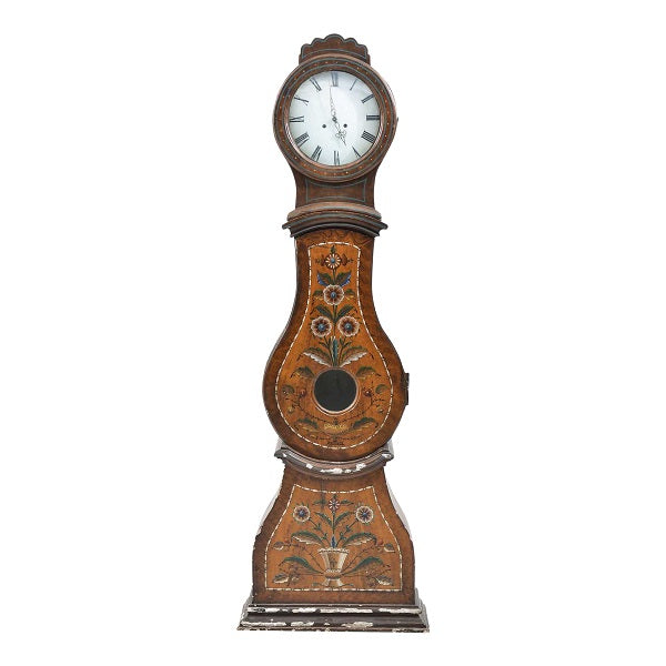 Mora clock from mid 18th century with folk painted patterns