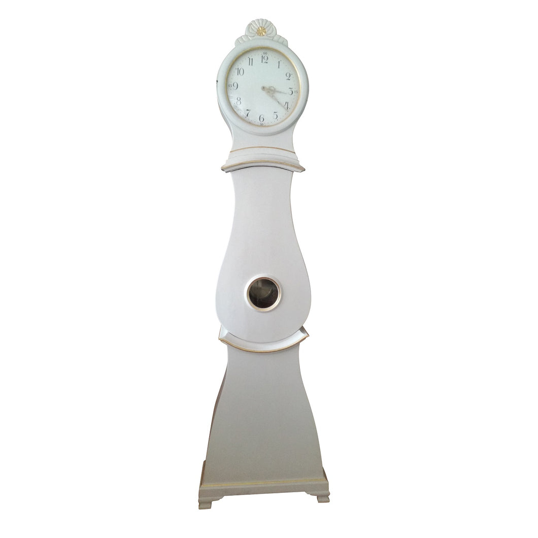 Mora clock in white