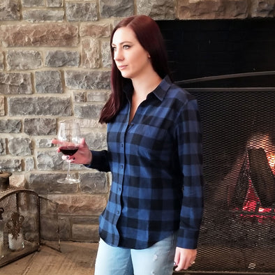 Women's Classic Flannel Shirt navy black model