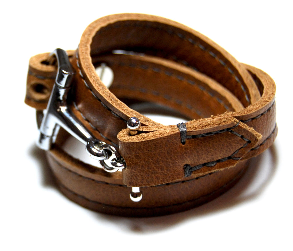 PERCHERON LEATHER WRAP in red dun | Equestrian leather bracelet | Leather wrap | Horse Bit Leather Cuff - AtelierCG™
