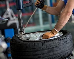 tyre_fitting_SAC3Q3TBN2KP.jpg
