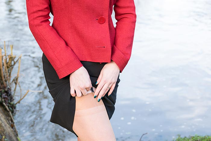 Fully Fashioned Stockings | Contrast Red Seamed Stockings