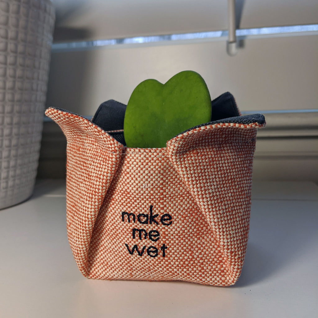 Plant Holder - Make Me Wet