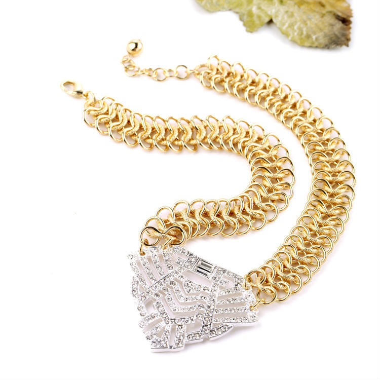 Unique Golden Color Hollow Out Texture For Women Necklace Chains and Necklaces