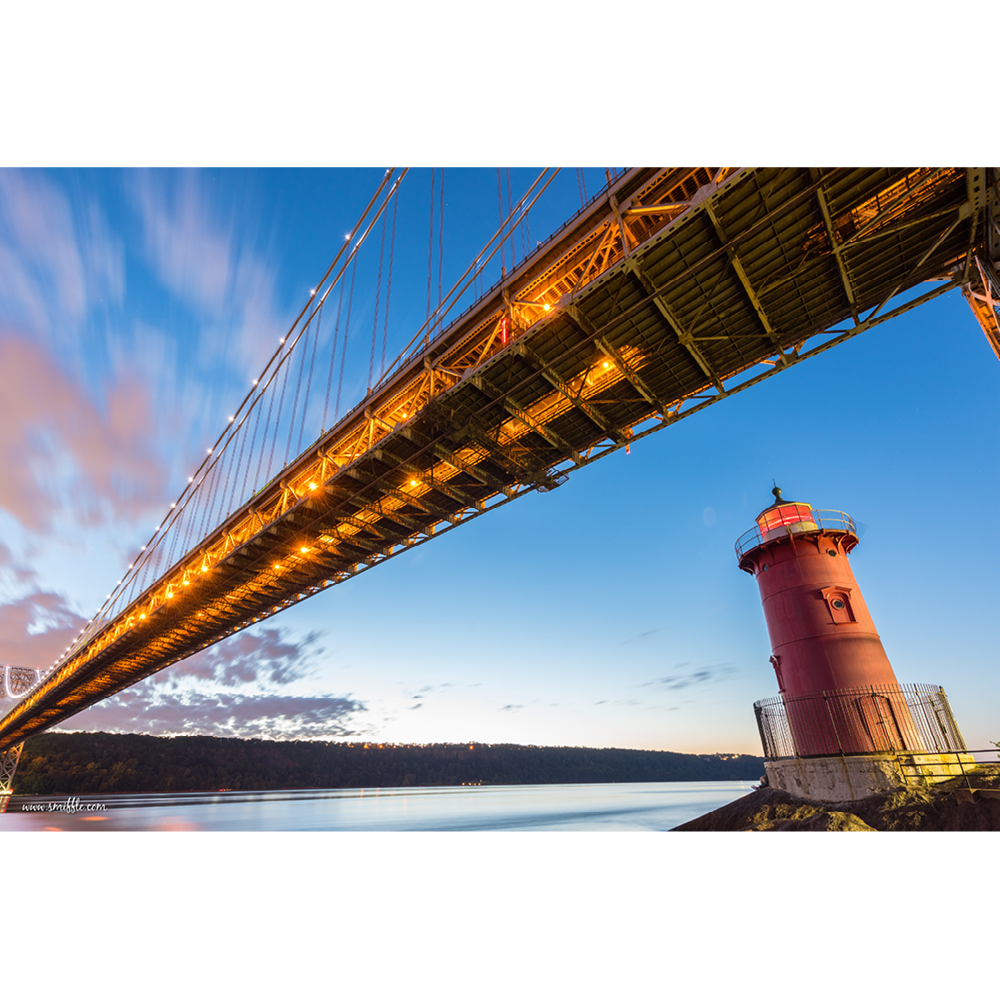 George Washington Bridge and the Red Little Lighthouse - NY025