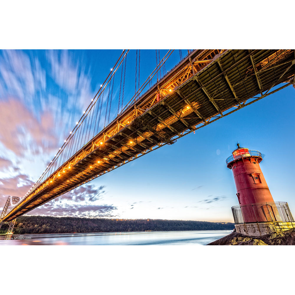Red Little Lighthouse, George Washington Bridge, New York, USA - LGT057