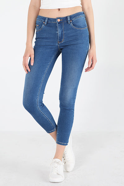 Mid Rise Jeans In Medium Wash