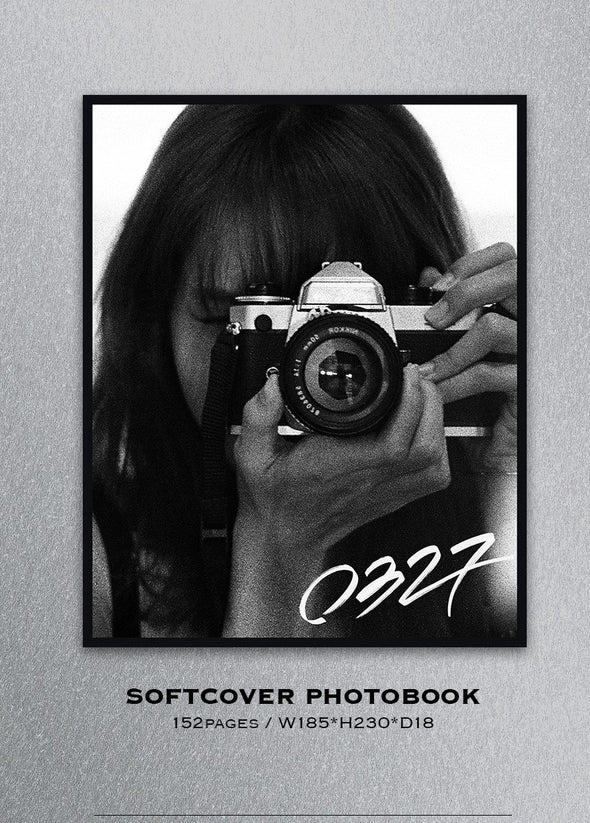 YG SELECT [PRE-ORDER] LISA PHOTOBOOK [0327] LIMITED EDITION